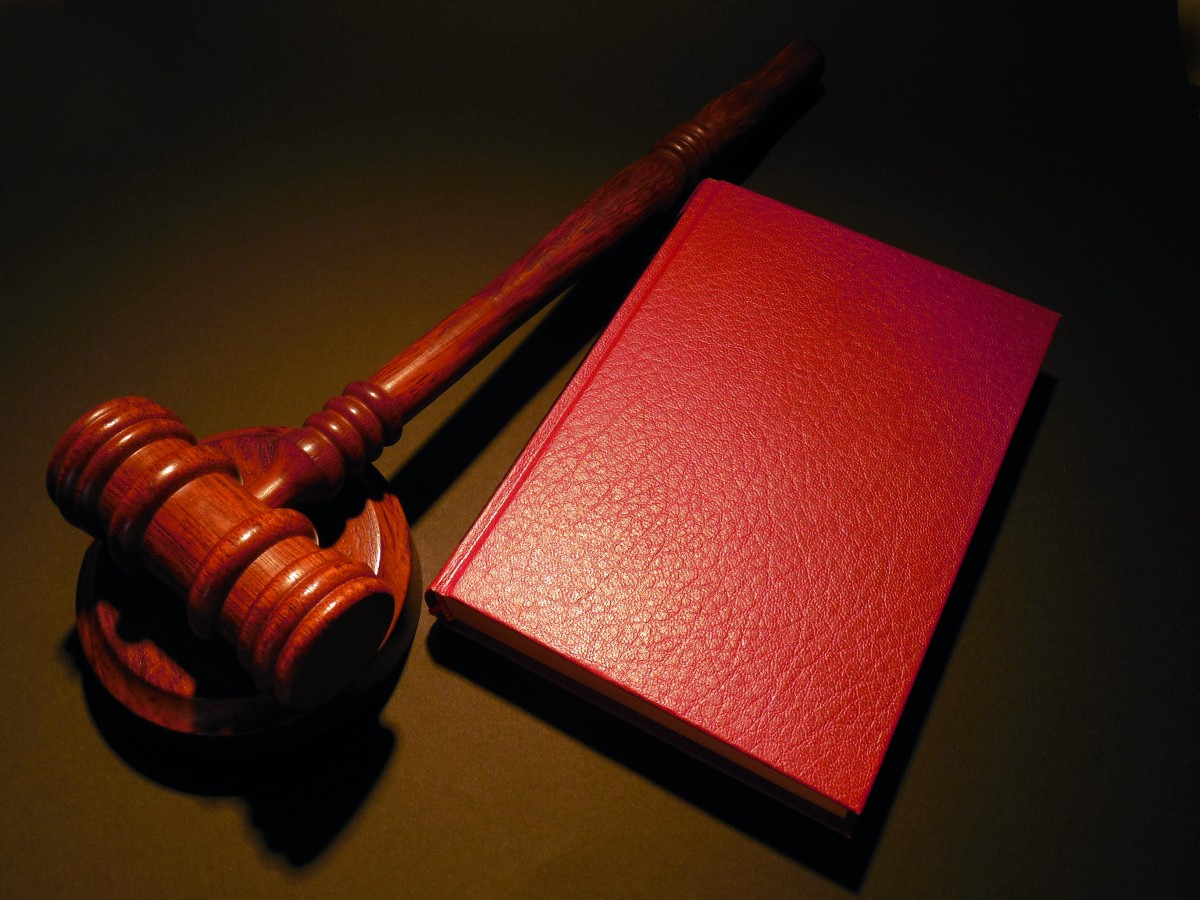 hammer_court_judge_justice_law_clause_paragraph_case_law-477125.jpg!d