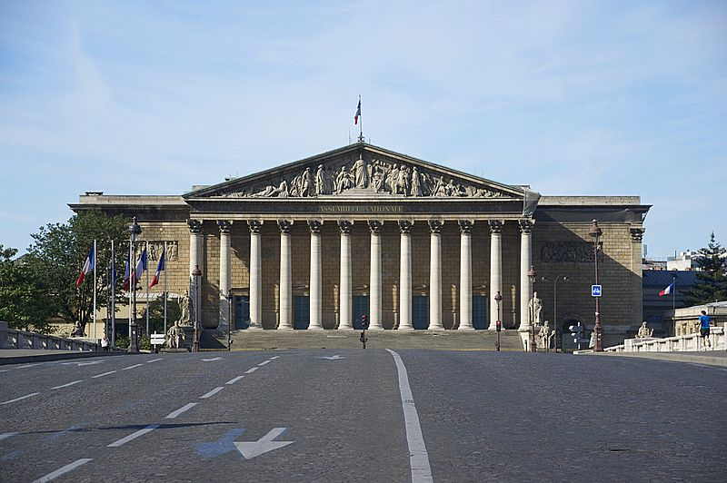 800px-Façade_Assemblée_Nationale